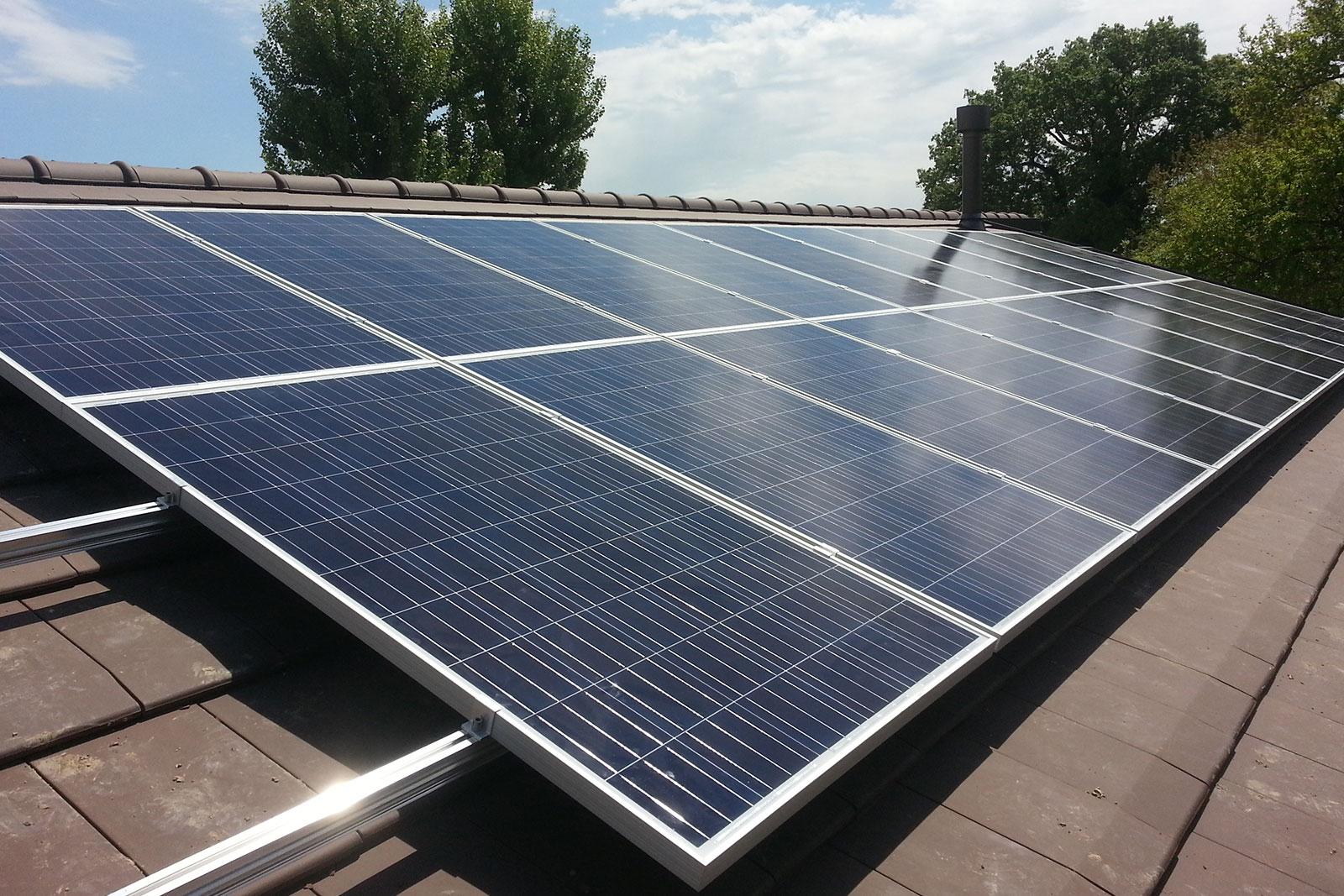 Tetto-fotovoltaico-case-in-legno