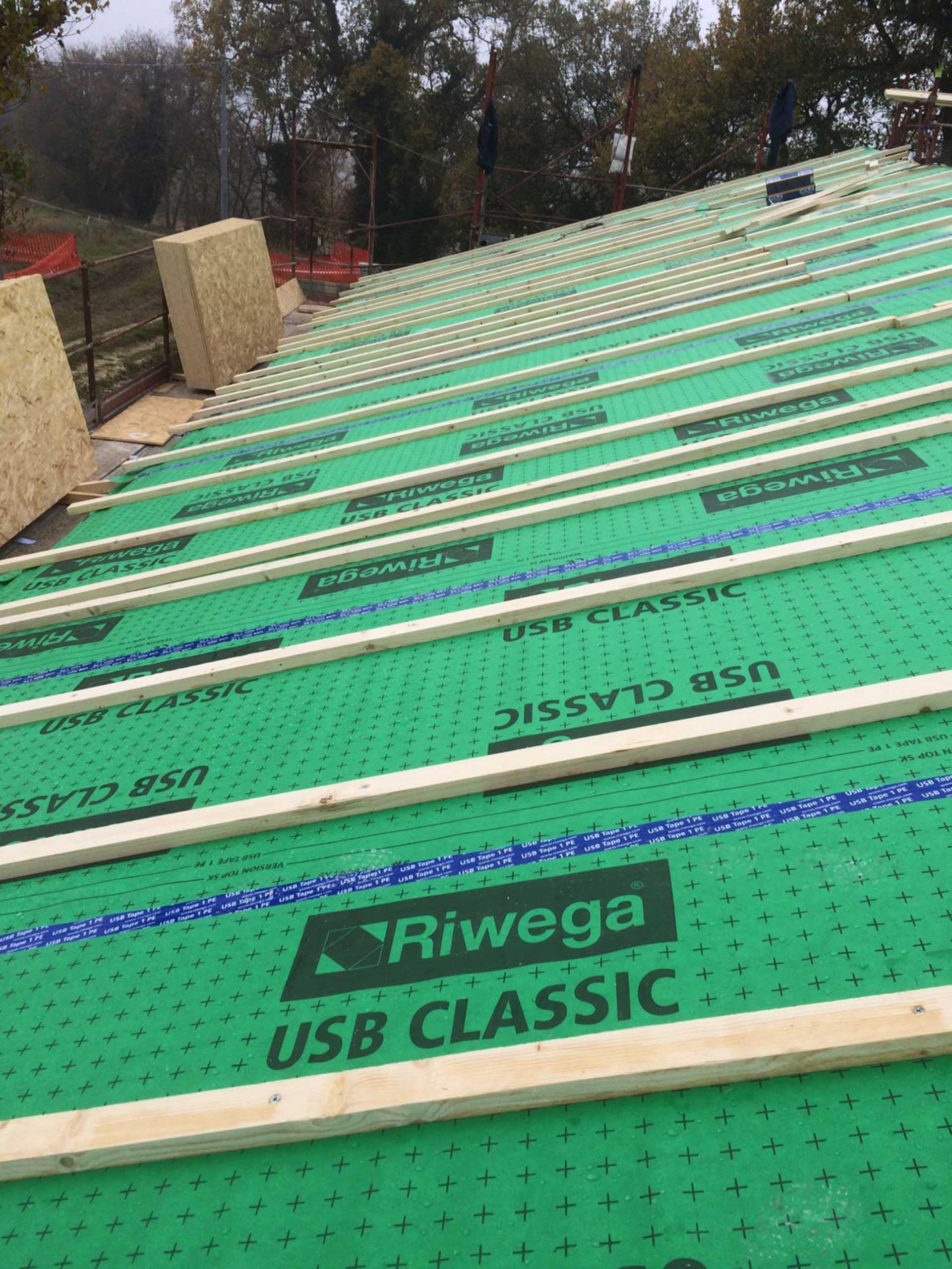 Costruzione-tetto.in-legno-ancona