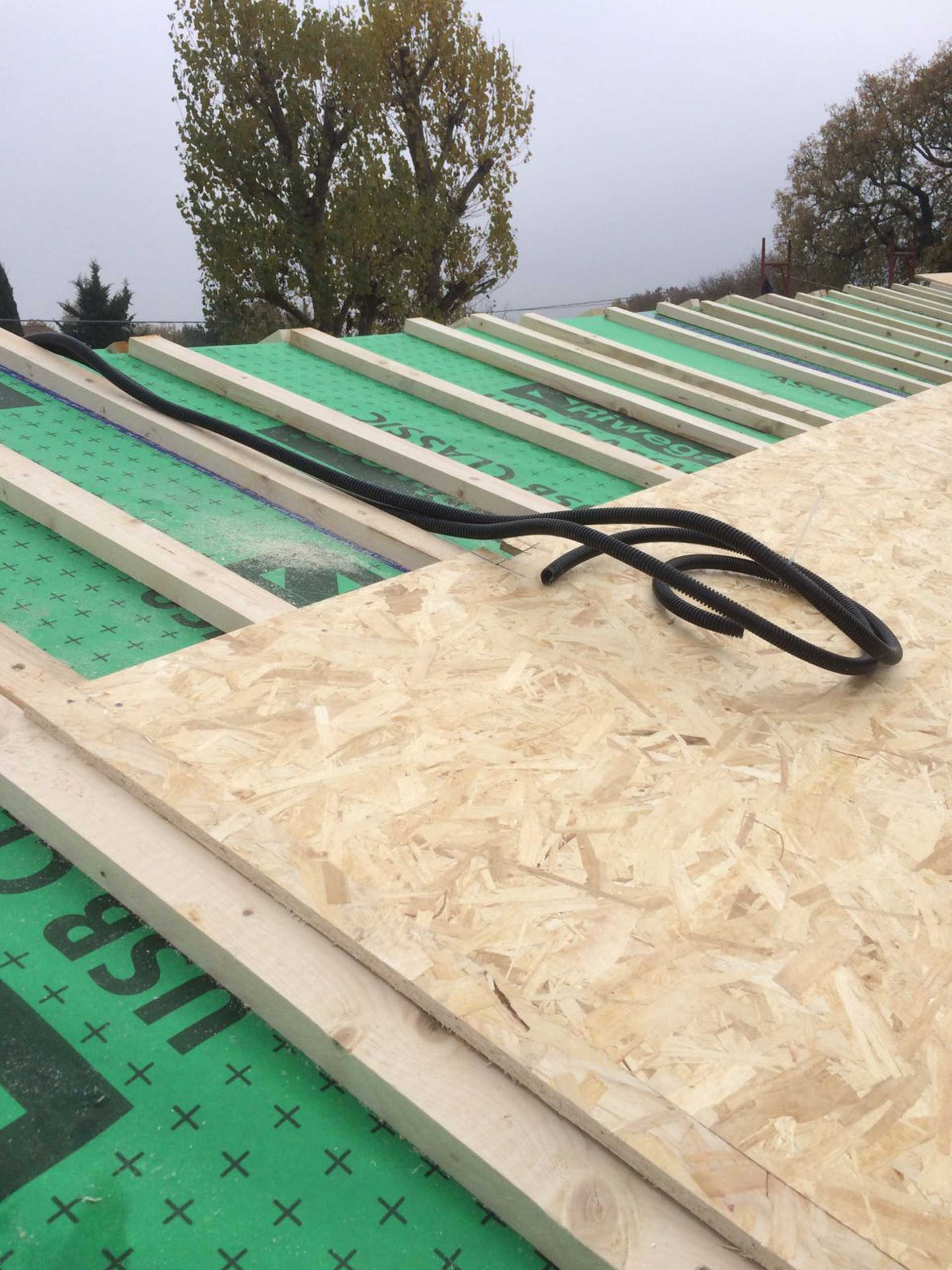 Costruzione-tetto-in-legno-ancona
